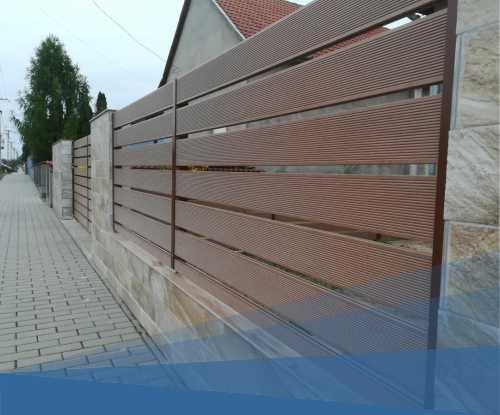 WPC kerítés hagyományos oszlopokkal